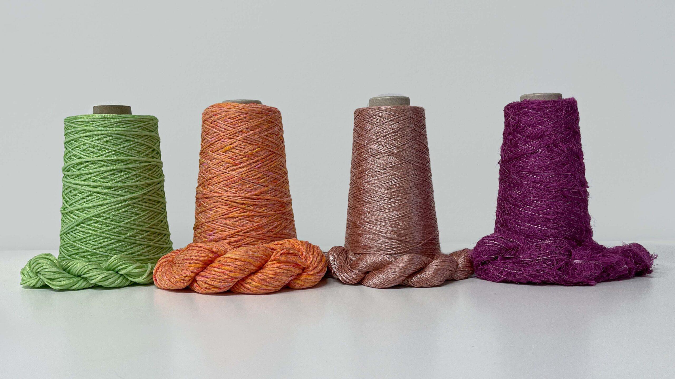 Spin Aker SS-22 knitting